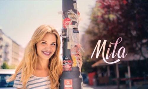 Fernsehserie Mila-Vorspannbild, Mila an Laterne